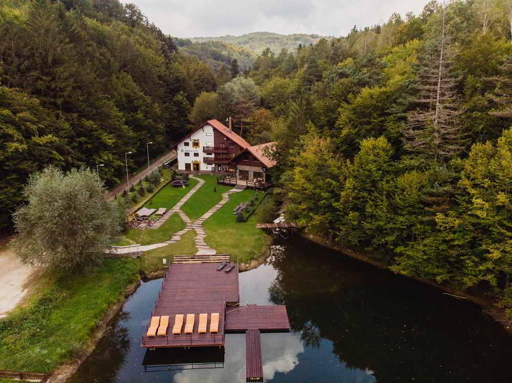 Gasthaus Grindeshti cazari inedite romania cele mai frumoase pensiuni din romania locuri de cazare unice in romania