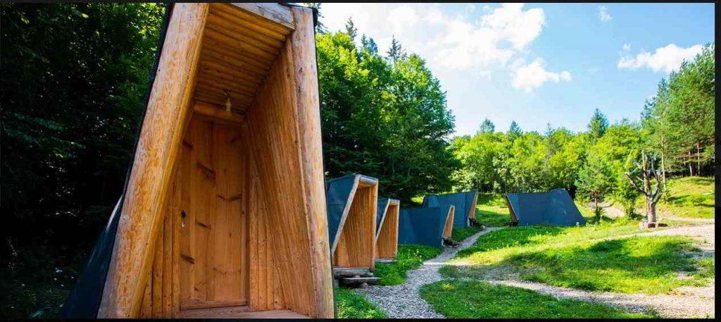 New Old Village cazari inedite romania cele mai frumoase pensiuni din romania locuri de cazare unice in romania