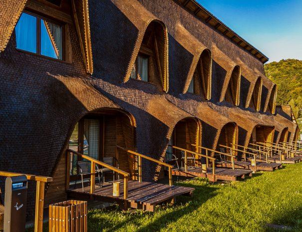 cuibul de lemn cazari inedite romania cele mai frumoase pensiuni din romania locuri de cazare unice in romania