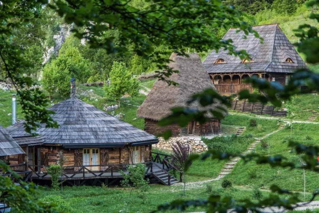 cazari inedite romania cele mai frumoase pensiuni din romania locuri de cazare unice in romania